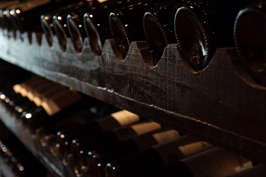 How to store wine so that it retains its properties?